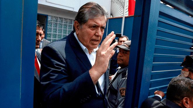 Se suicida Alan García, ex presidente de Perú.